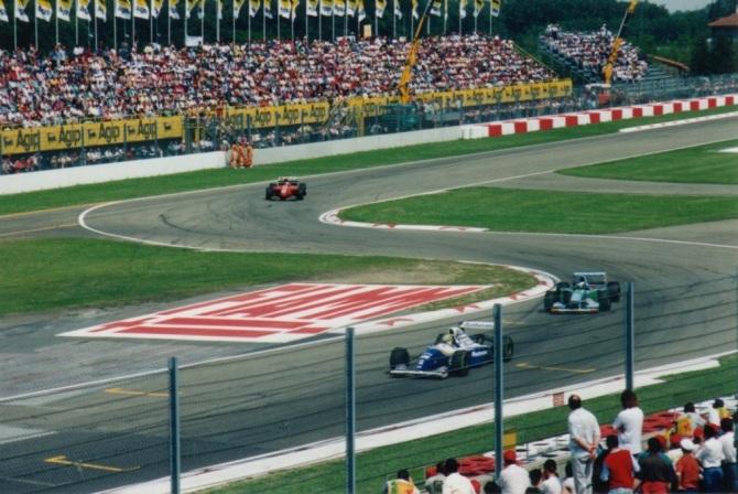 Senna P1 - photo by Alan Dahl