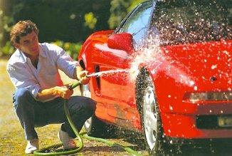 Ayrton Senna washing an NSX