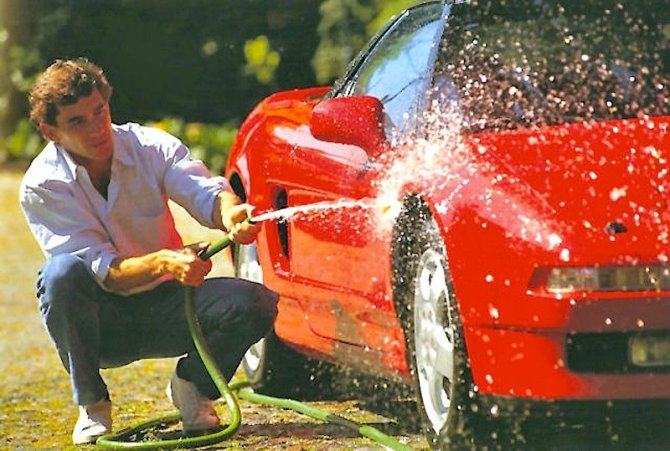 Ayrton Senna washing an NSX