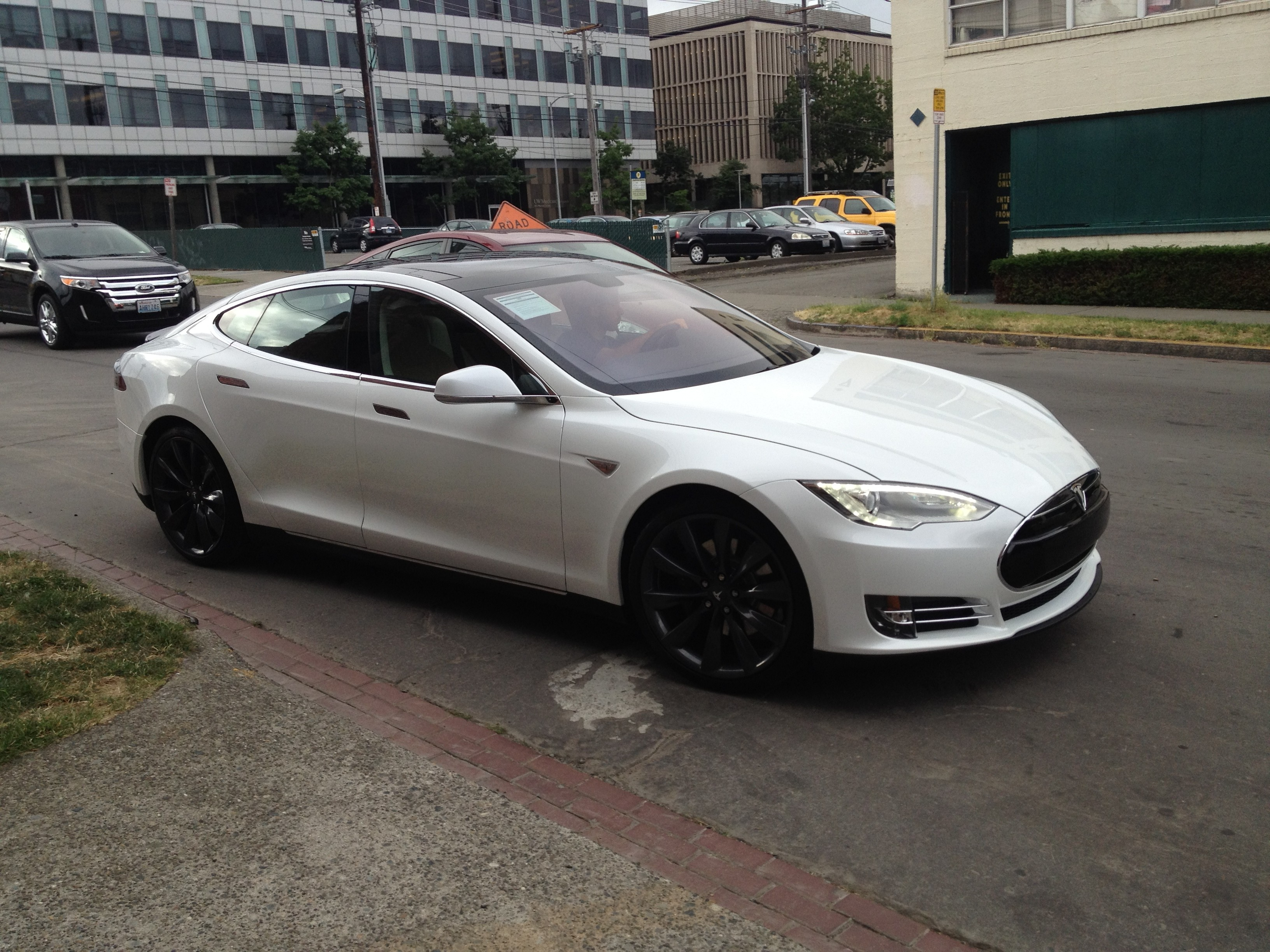 Exclusive| First Tesla Model S in the Northwest | |StartingGrid|