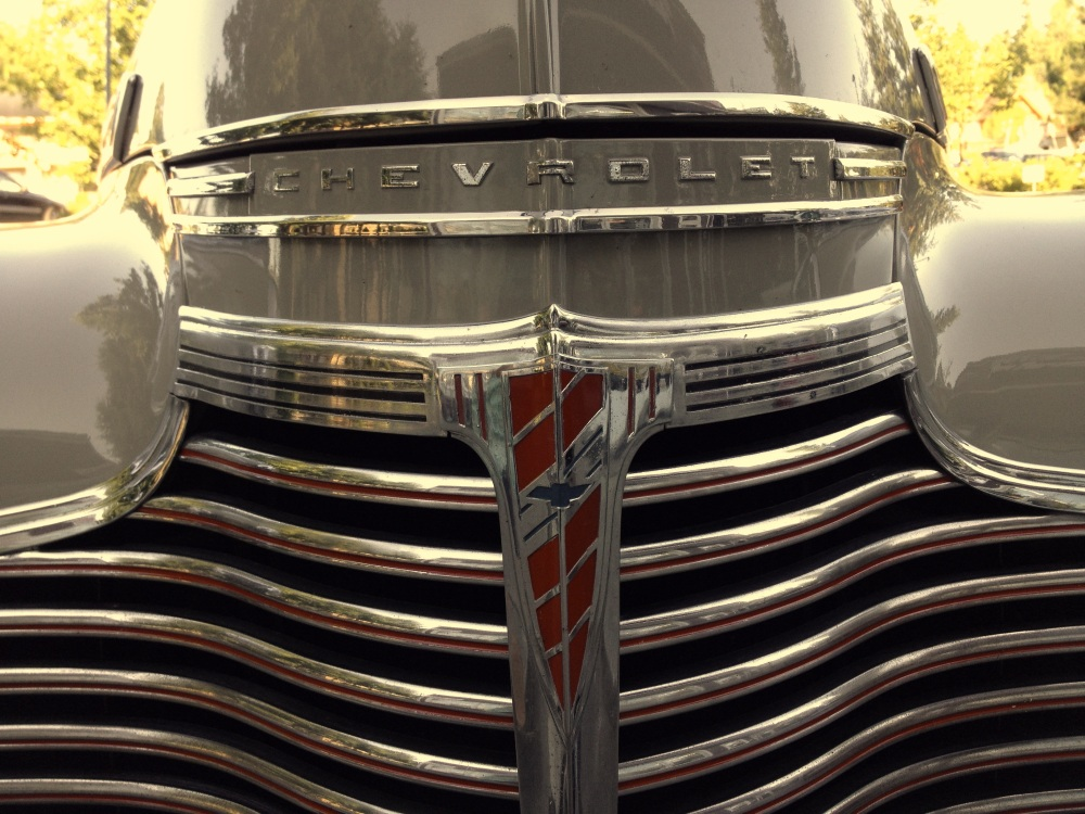 Chevrolet grill and fivehead