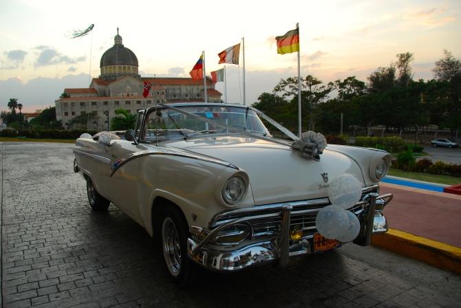 Cuba 1955 Ford Fairlane front quarter
