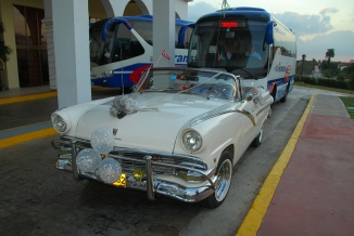 Cuban Ford Fairlane ready for wedding use