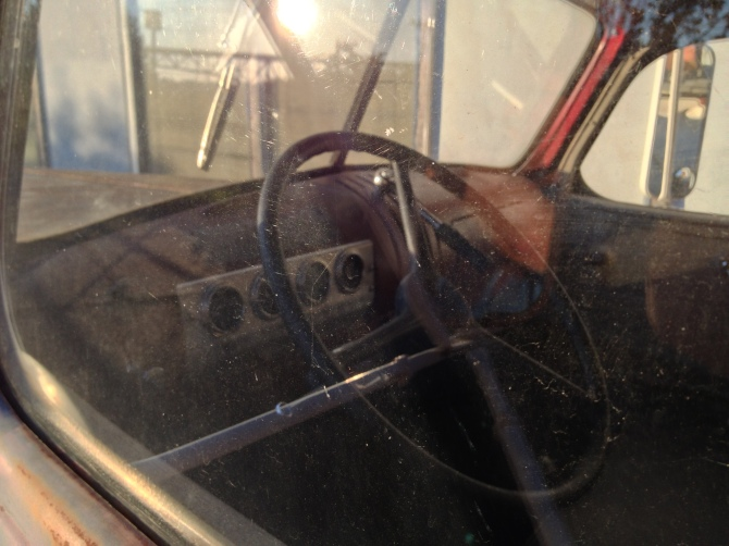 GMC CC-152 interior
